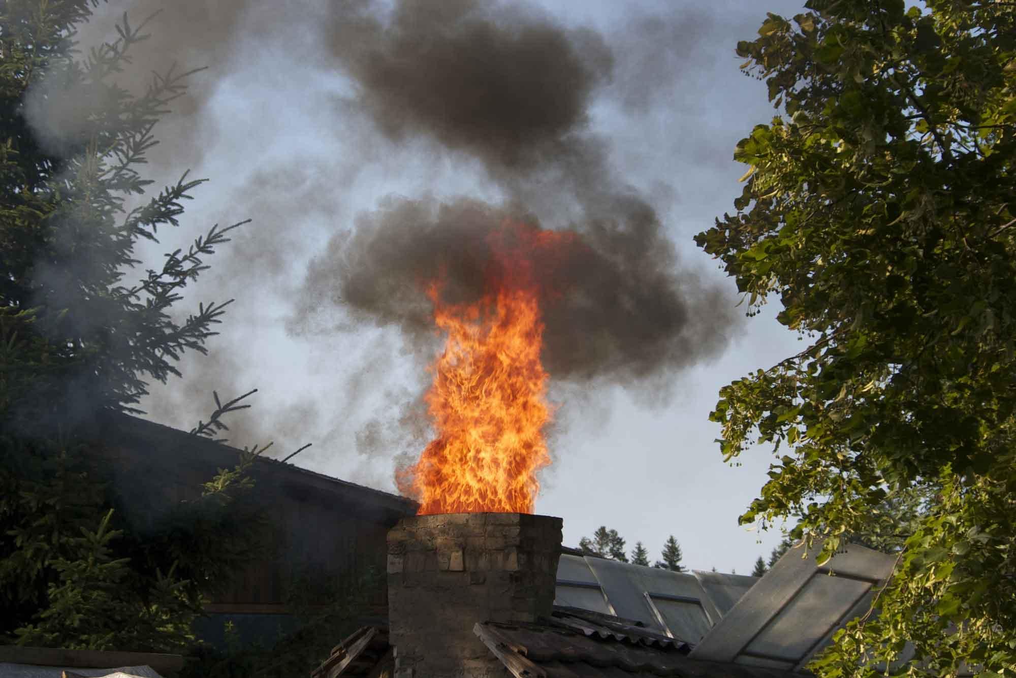 Cheminée ne dégageant pas de la fumée mais carrément du feu !!!